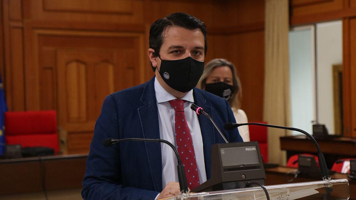 El alcalde, José María Bellido, en el Ayuntamiento.