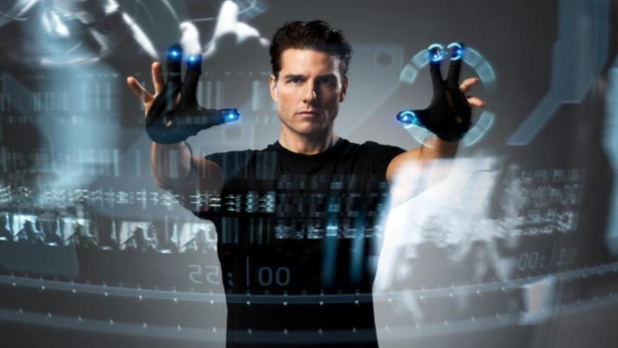 Imagen promocional de 'Minority Report'. Las pantallas que maneja Tom Cruise ya existen