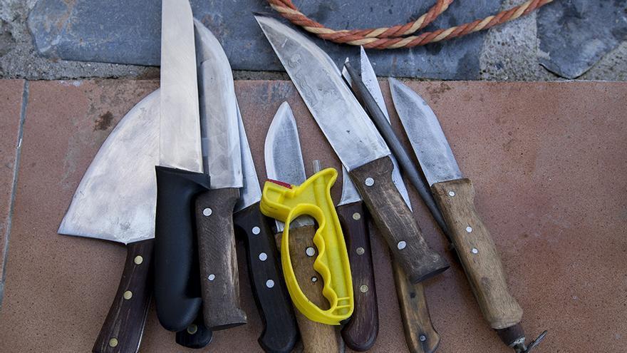 Cuchillos utilizados por los matarifes. Matanza de Toledo. Foto: Tras los Muros