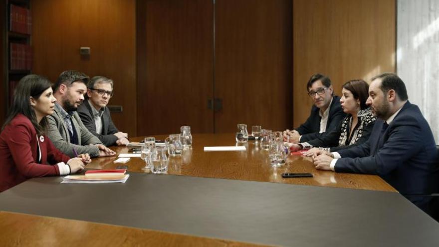 """PSOE y grupos """"pequeños"""", una negociación constante en paralelo a la de ERC"""