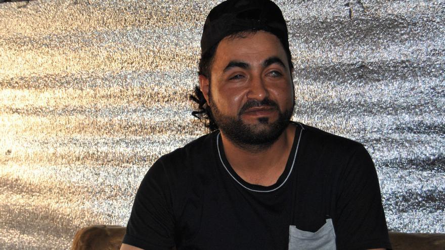 """""""Quería ir a Europa para curarme, pero no tenía dinero suficiente para continuar el viaje"""", cuenta Ahmad."""