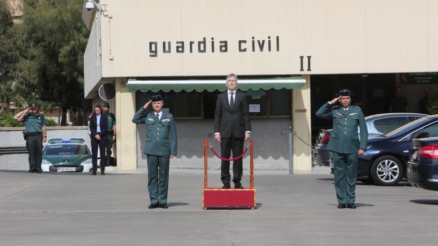 El ministro del Interior, Fernando Grande-Marlaska, durante su visita al Centro de Coordinación Regional de la Guardia Civil en Canarias.