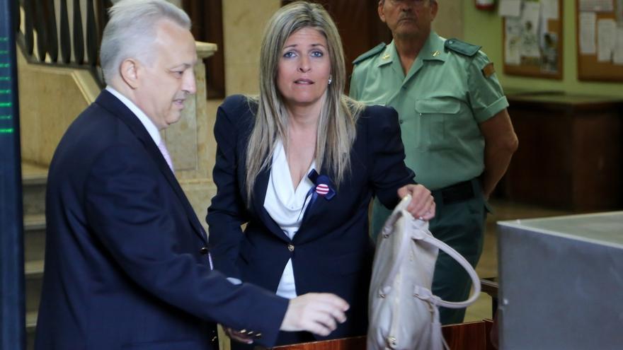 El TSJA anula la condena a Ana Hermoso por el cohecho del bolso por prescripción del delito
