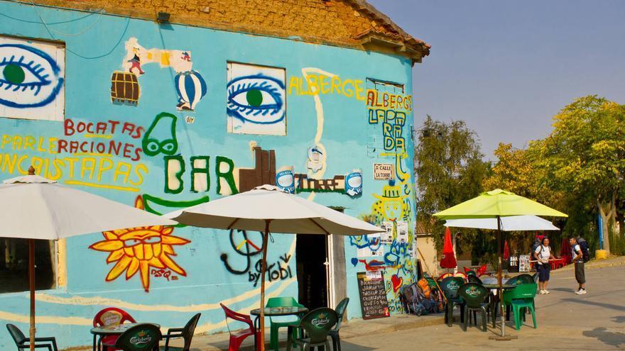 Colorido bar en Mansilla de las Mulas. VA