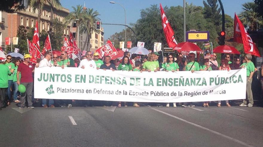 Manifestación a favor de la enseñanza pública