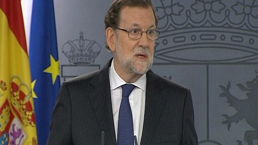 """Rajoy dice que el Rey no le ha encargado formar gobierno pero """"no renuncia"""" a ser investido presidente"""