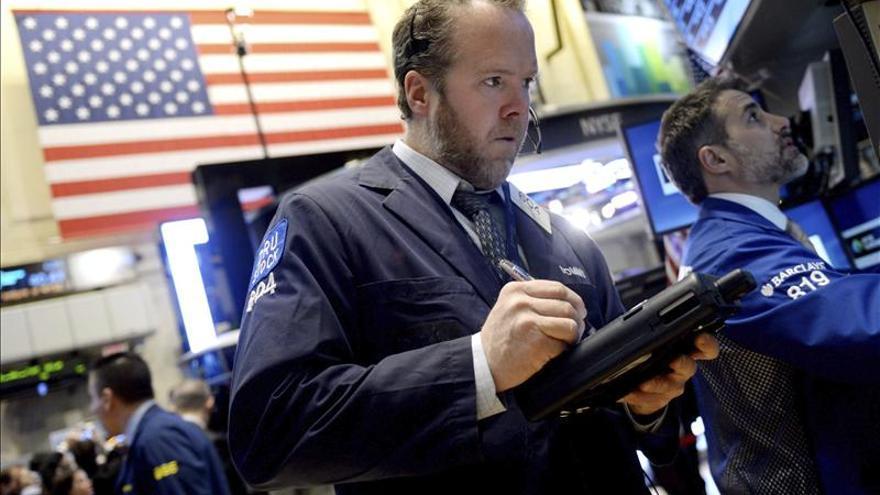 Wall Street casi plano en la apertura, el Dow Jones baja un 0,04 por ciento