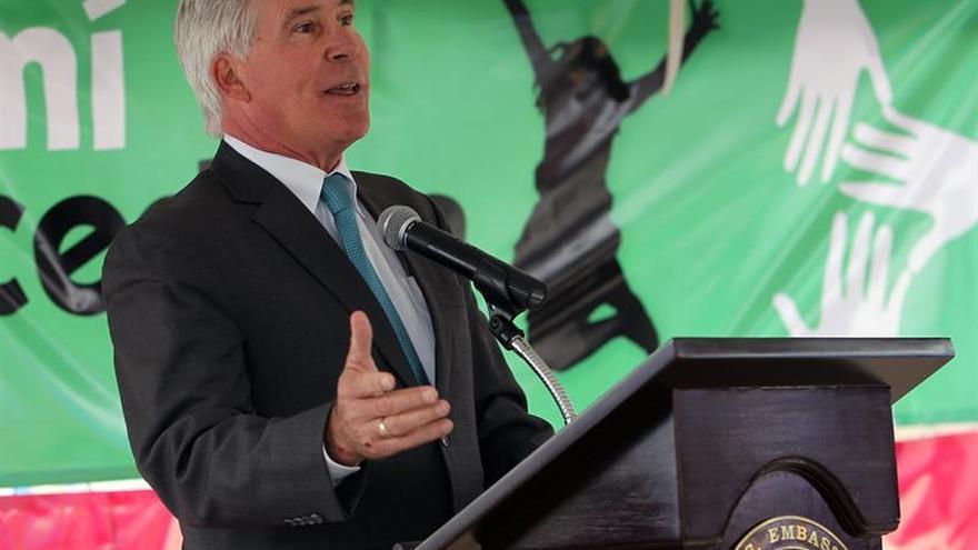 EE.UU. defiende en Bolivia la necesidad de una prensa y una Justicia libres