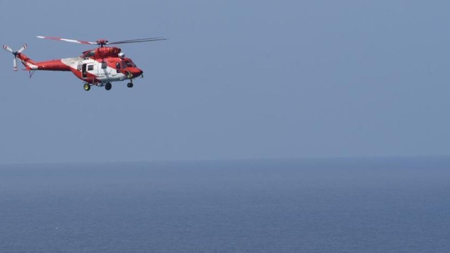 Helicóptero del GES sobre Tenerife