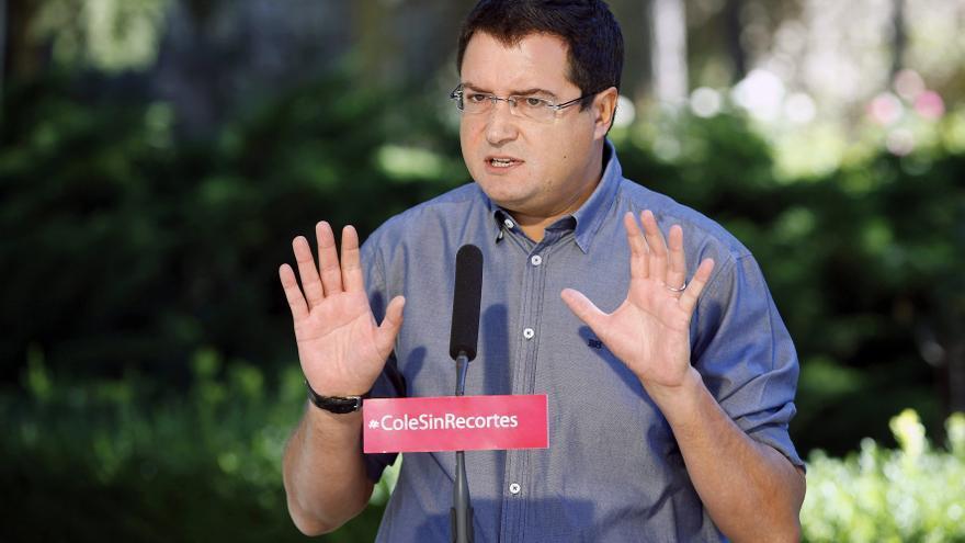"""El PSOE dice que """"estaría bien"""" que Rajoy tomara nota de las políticas de Hollande"""