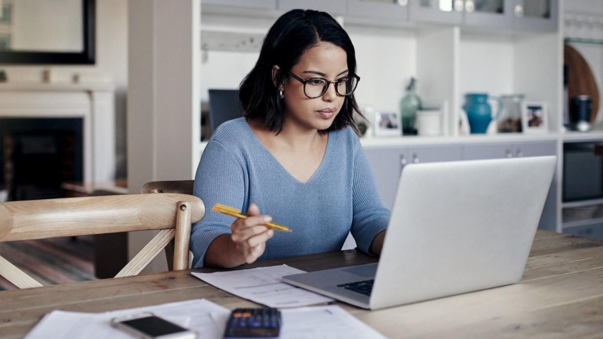 """La presencia laboral femenina predomina en áreas consideras """"blandas"""", como son las relaciones públicas o la comunicación."""