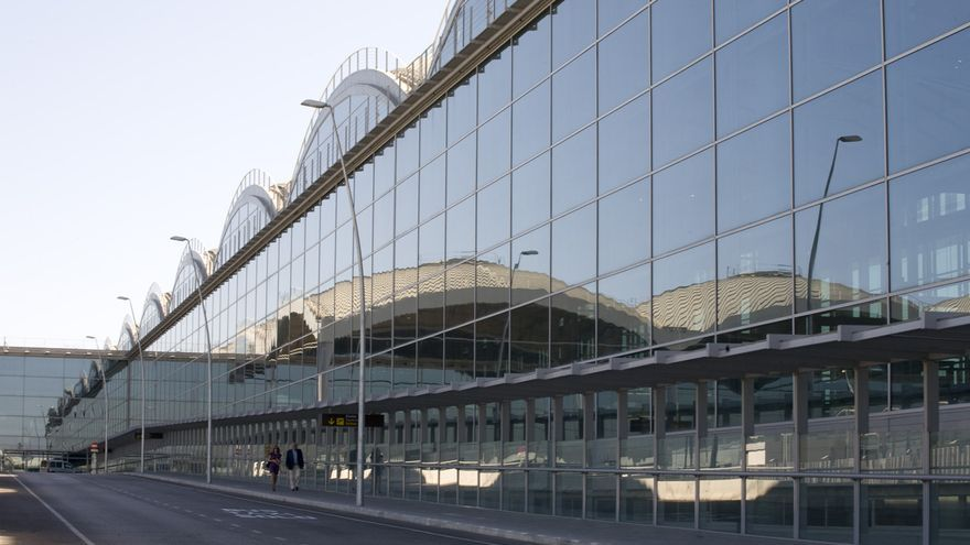 Aeropuerto de Alicante - Elche / AENA
