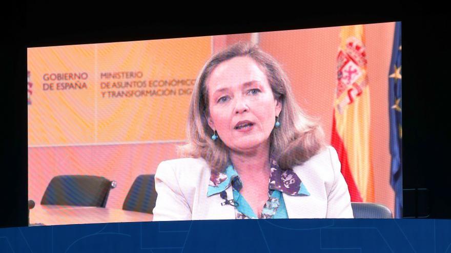 Calviño pide a la autonomías remar en la misma dirección para la recuperación