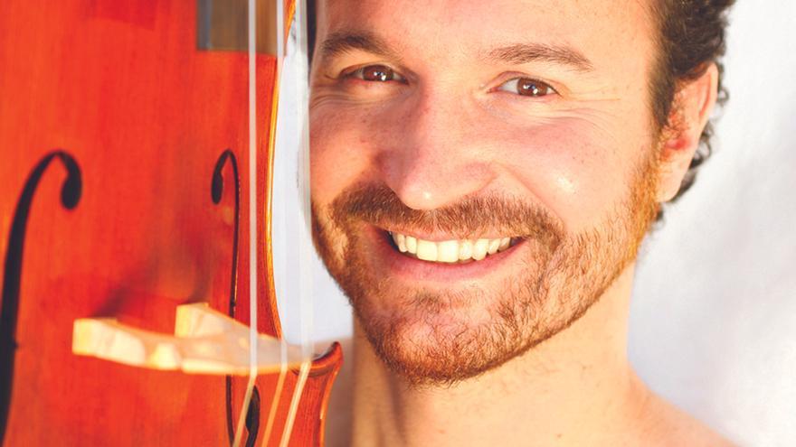 Imagen promocional del compositor Juan Antonio Simarro