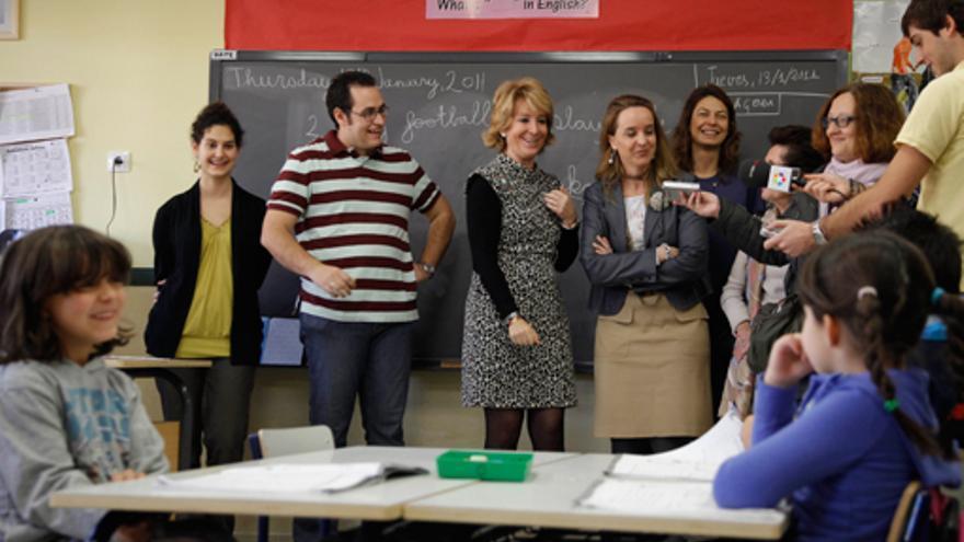 Aguirre inaugurando un colegio en Madrid