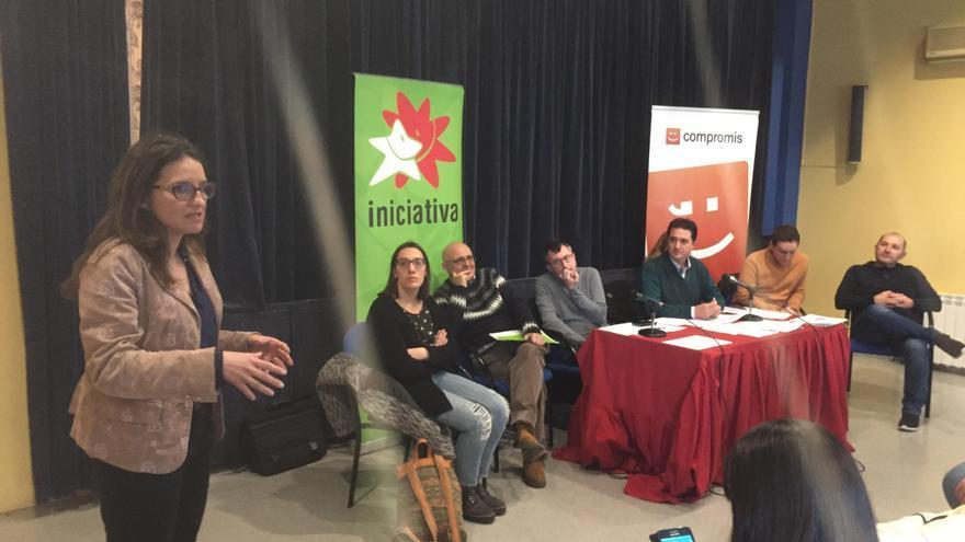 Mónica Oltra, a l´esquerra, en la reunió de la Mesa Nacional d'Iniciativa.