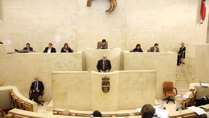 Juan José Sota (PSOE) ha defendido su proyecto de presupuestos para 2016. | Román García