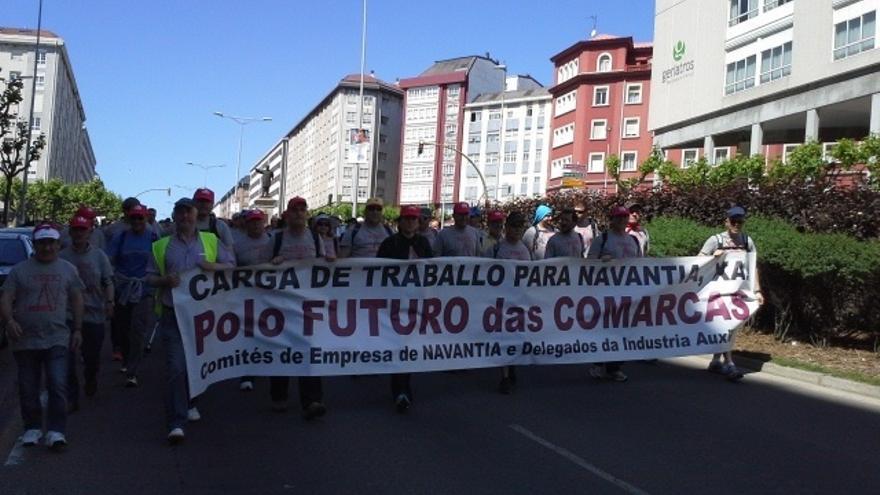 """Operarios de Navantia Ferrol recorren 20 kilómetros a pie contra los """"globos sonda"""" de más carga de trabajo"""
