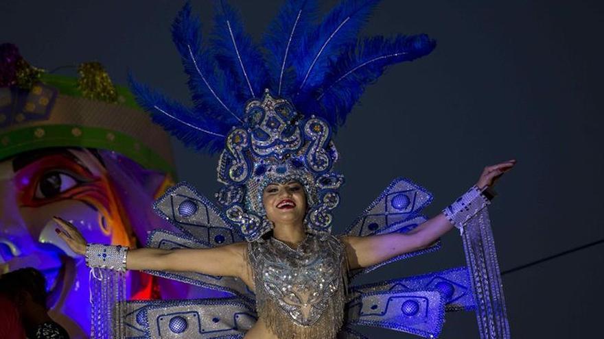 """Carnaval """"Alegría por la Vida"""" atrae a miles en Nicaragua"""