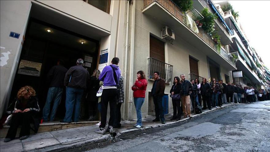 El desempleo de la eurozona volvió a subir en abril y alcanzó el 12,2 por ciento