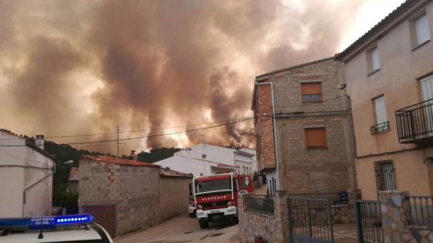 Imagen del incendio de Yeste y Molinicos.