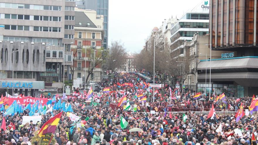 Las Marchas por la Dignidad confluyen en la plaza de Colón. / Fátima Caballero