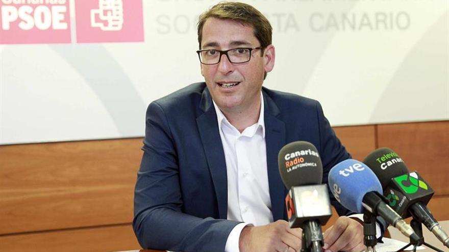 El portavoz del Grupo Parlamentario Socialista, Iñaki Lavandera (EFE/CRISTÓBAL GARCÍA)