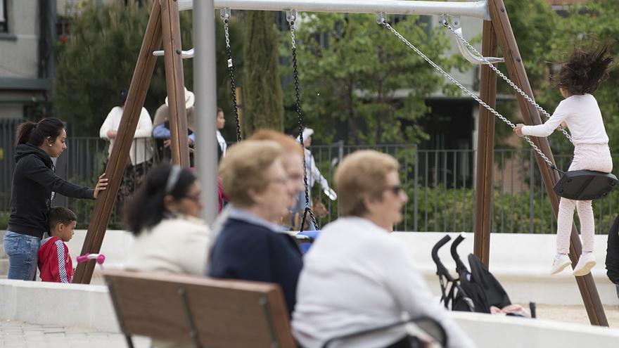 Familias en el parque.