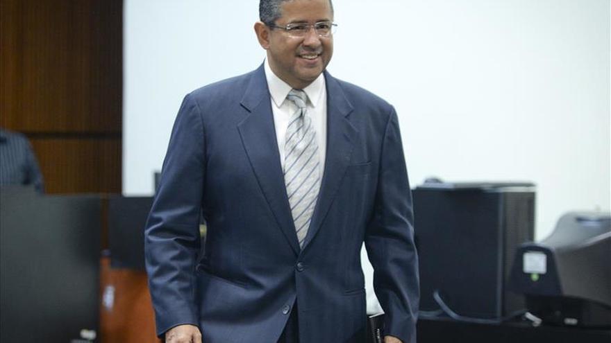 Expresidente salvadoreño sabrá mañana si es enviado a juicio por corrupción
