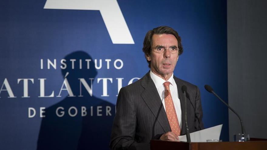"""Aznar alerta de la imposición de un relato que """"ennoblece a los terroristas"""""""
