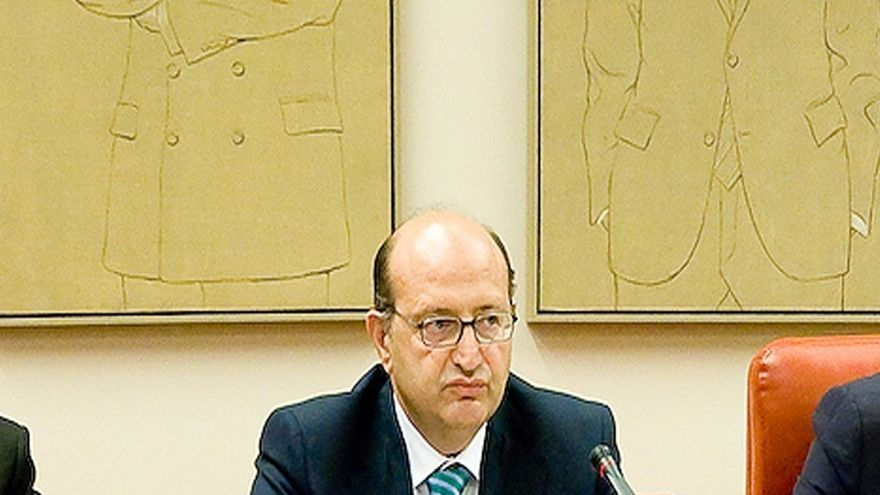 Las Cortes exigen vetar el acceso a subvenciones a las entidades locales que no rindan cuentas