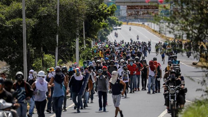 """La oposición venezolana inicia el cierre de calles de 10 horas contra la """"dictadura"""""""