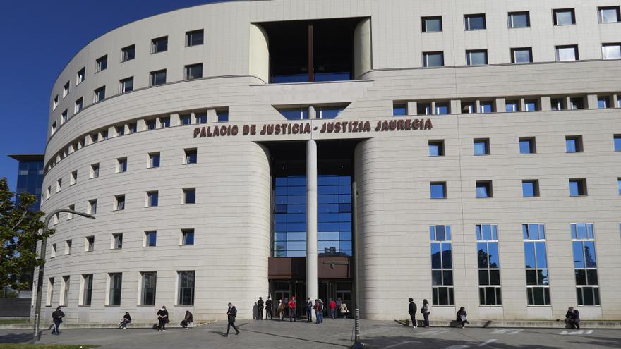 Archivo - El Palacio de Justicia de Pamplona, a 21 de abril de 2021, en Pamplona, Navarra (España).