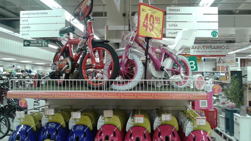 Foto hecha por Carlos en Alcampo con los modelos de bicicleta.