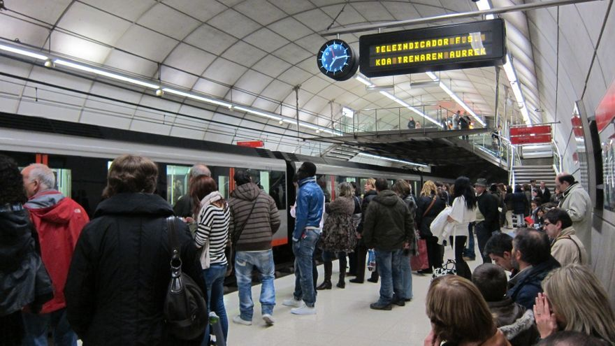 Los usuarios del Metro de Bilbao aumentan un 1,4% en septiembre y los de los autobuses vascos disminuyen un 0,4%