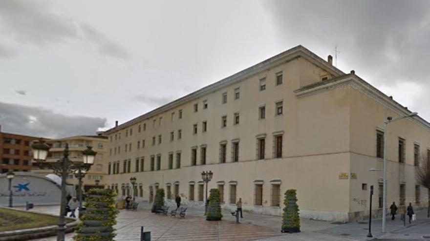 Antiguo Hospital Provincial de Badajoz / www.google.es/maps