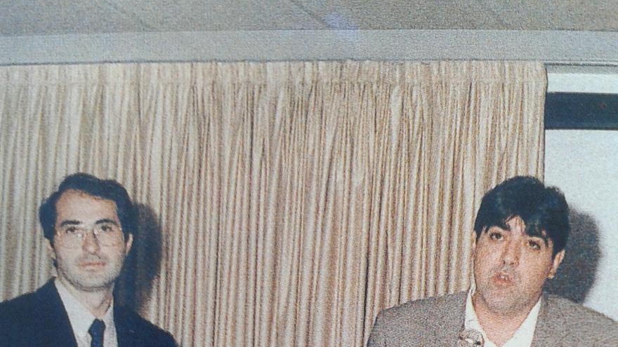 Fernando Suárez, junto a Jorge Urosa en una foto de la década de los 90, cuando ambos estaban en el Carande.