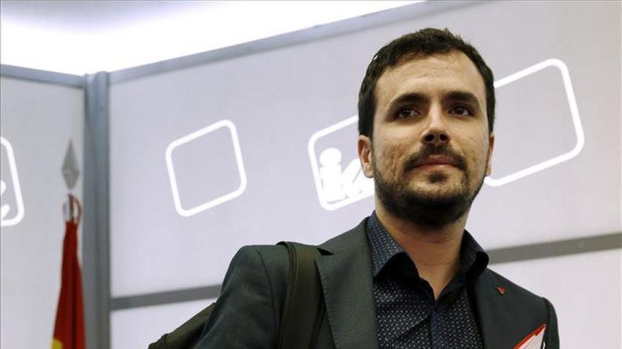 Garzón avisa de que PP y PSOE aplauden que Podemos haya dado portazo a sumar con IU