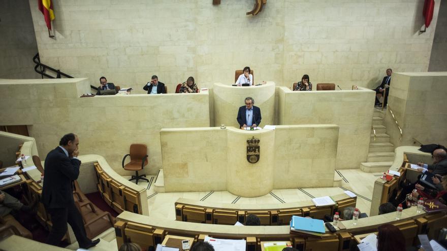 La modificación del Estatuto de Autonomía de Cantabria se abordará en Comisión. | JOAQUÍN GÓMEZ SASTRE