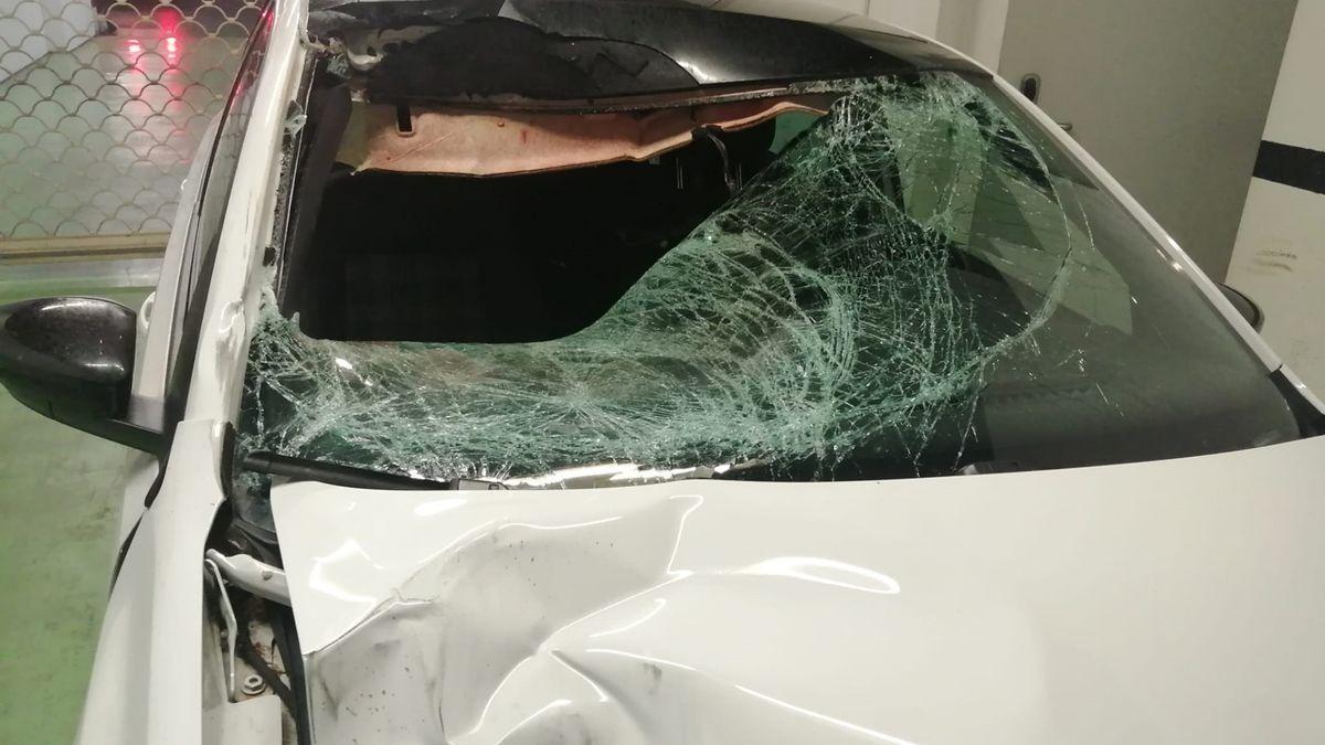Imagen del vehículo que atropelló al joven de 32 años que falleció en el acto