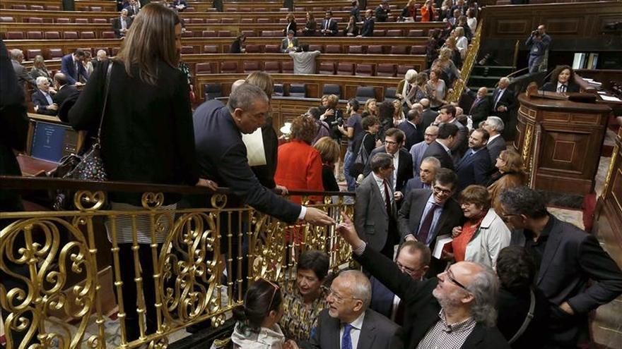 """Besos, abrazos y selfis, en el """"fin de curso"""" del Congreso"""