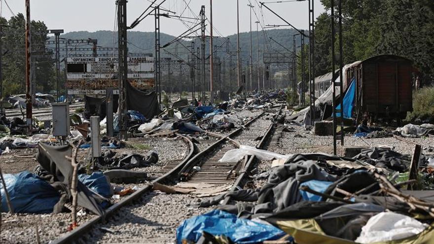 Tras evacuar Idomeni, el Gobierno griego desalojará El Pireo y Elinikón