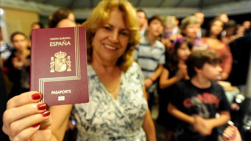205.880 Extranjeros obtuvieron la nacionalidad española en 2014, un 8,8 % menos