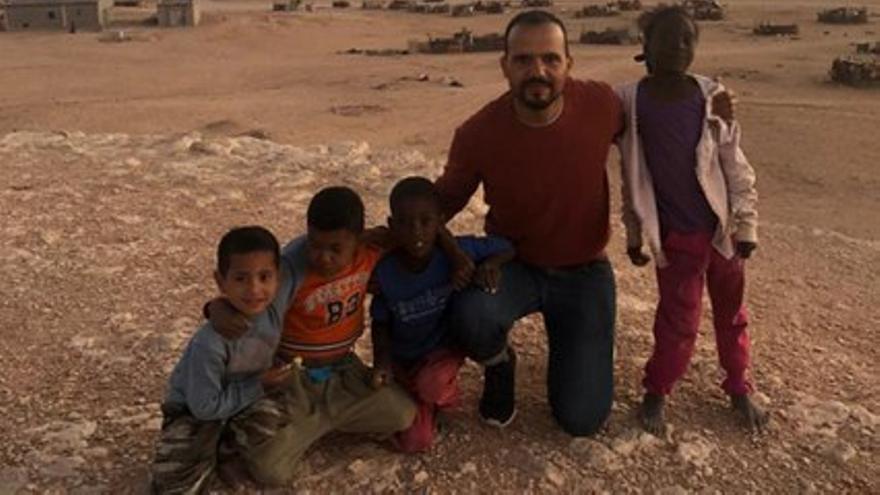 Mohandi, el niño saharaui que 30 años después sueña con crear una escuela de fútbol en su campo de refugiados
