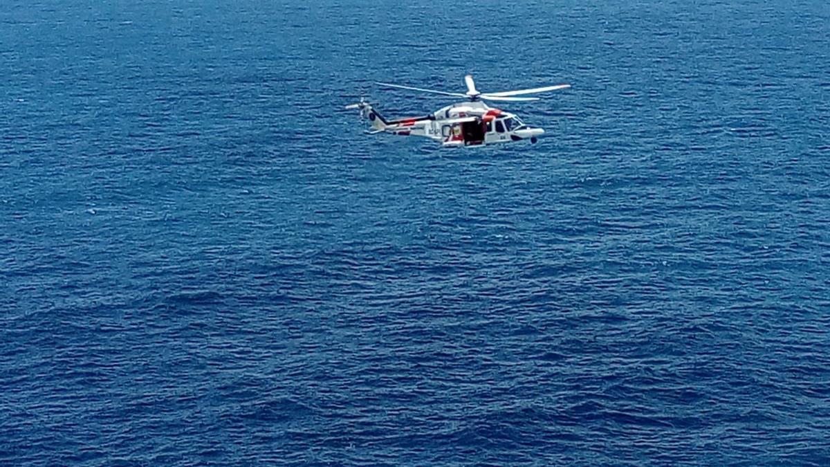 Helicóptero que ha participado en las tareas de búsqueda.