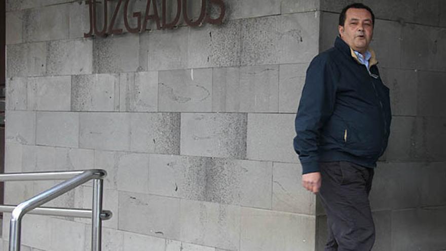 José Antonio Rodríguez entrando al Juzgado este lunes. FOTO: De la Cruz.