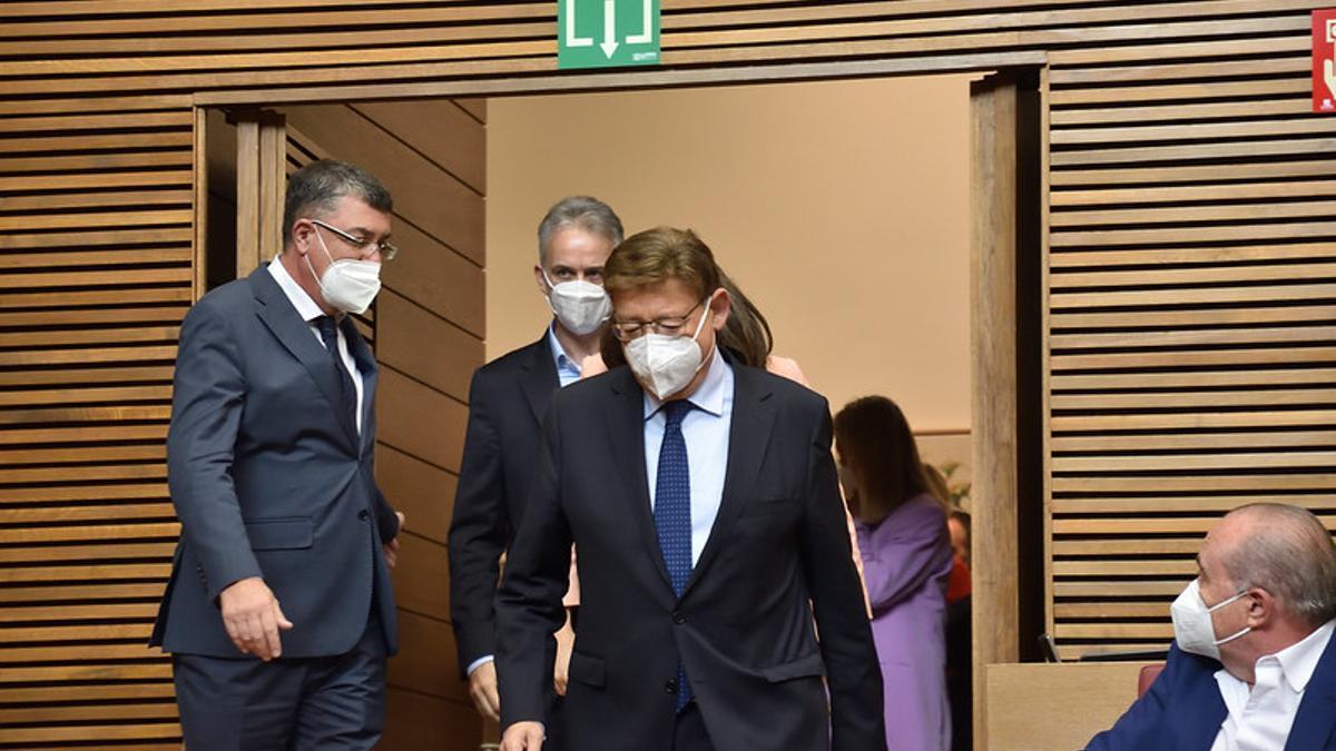 El presidente de la Generalitat Valenciana, Ximo Puig, a la entrada del debate del política general.