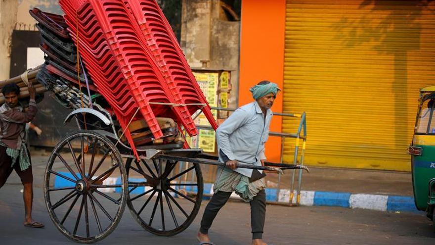 Sindicatos indios comienzan una huelga de dos días contra la política de Modi