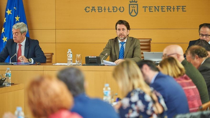 Carlos Alonso presidió este lunes el pleno ordinario en el Cabildo tinerfeño
