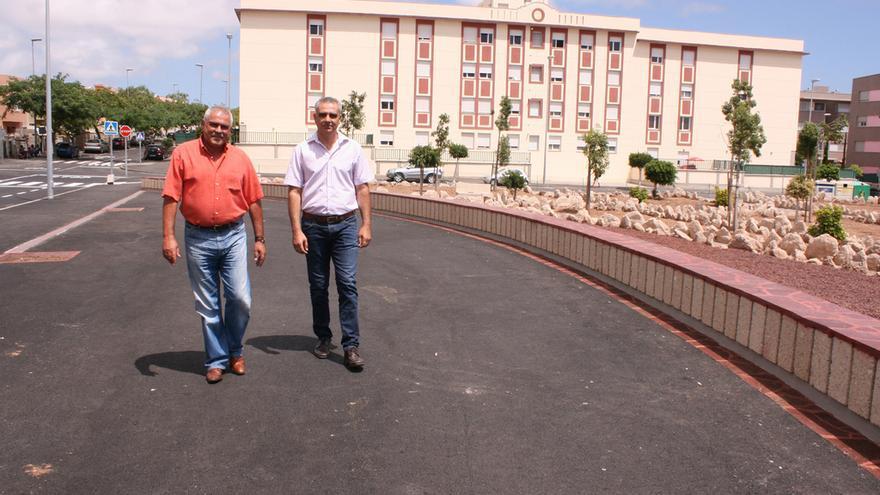 Jaime González Cejas (izda) y Juan Rodríguez Bello durante la visita esta semana a la zona
